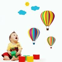 Modelce Uçan Balonlar Duvar Sticker - Priz Sticker Hediyeli