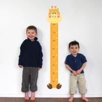 Modelce Zürafa Boy cetveli Duvar Sticker - Priz Sticker Hediyeli