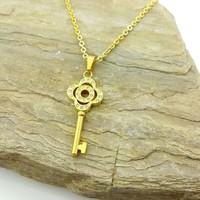 Chavin Zirkon Taşlı Altın Kaplama Anahtar Çelik Kolye as05