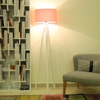 Evmanya Haus 3 Ayaklı Beyaz Lambader - Pembe Şapka