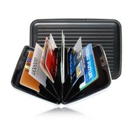 Toptancı Kapında Metal Kredi Kartlık