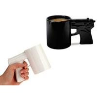 Toptancı Kapında Silah Tasarımlı Kupa Gun Mug