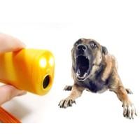 Toptancı Kapında Ultrasonik Köpek Ve Kedi Uzaklaştırıcı