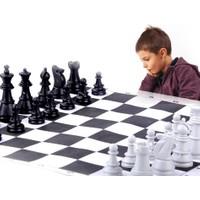 Toptancı Kapında Okullara Özel Satranç Takımı