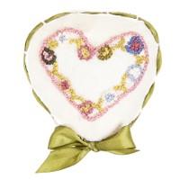 NG Hediyelik Eşya Çiçekler Geçidinde Kalp Motifi Taş