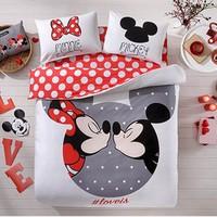 Taç Lisanslı Ranforce Çift Kişilik Disney Mickey&Minnie Loveis Nevresim Takımı
