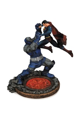 Dc Collectibles Superman Vs. Darkseid Statue 2Nd Edition