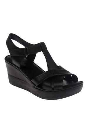 Beety Bty 305 Siyah Hakiki Deri Dolgu Tabanlı Bayan Sandalet