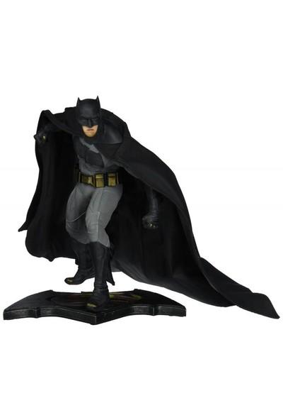 DC Collectibles Batman vs Superman Dawn of Justice Batman Statue