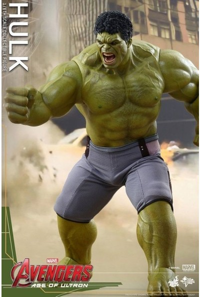 """Hot Toys Hot Toys Avengers Age of Ultron Hulk 17"""" Collectible Figure"""