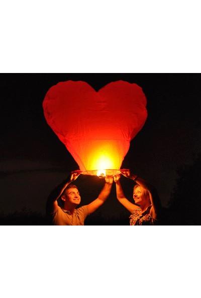 Toptancı Kapında Kalp Şeklinde Dilek Feneri