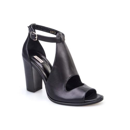 Cabani Yandan Tokalı Günlük Kadın Ayakkabı Siyah Deri