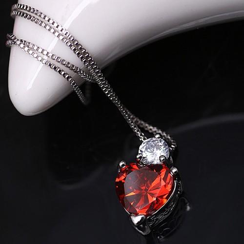 Chavin Kırmızı Kalp ve Tek Taşlı Gümüş Bayan Kolye cy57