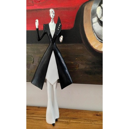 N'crea Home Siyah Elbiseli Zayıf Biblo
