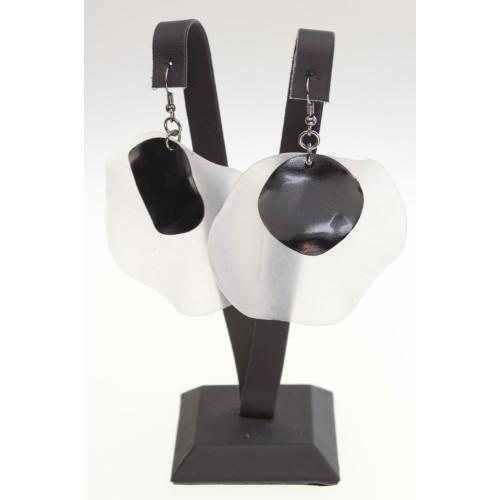 Biggbijoux Beyaz-Siyah Küpe