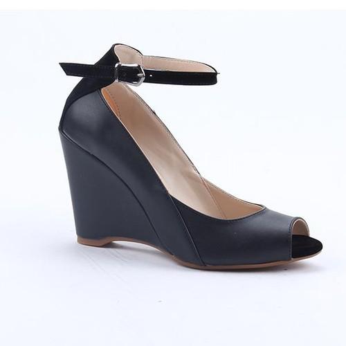 Cudo 10547 Günlük Dolgu Topuk Boy 9Cm Bilek Kemerli Kadın Sandalet