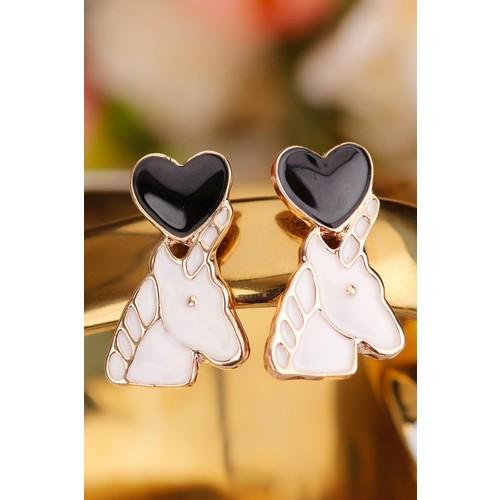 Çınar E-Ticaret Beyaz At Figürlü Üstü Siyah Kalp Tasarımlı Bayan Küpe