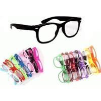Toptancı Kapında Renkli İmaj Gözlüğü - Siyah