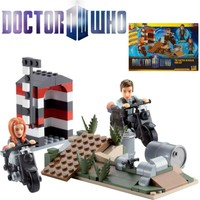 Underground Toys Doctor Who: Character Building The Doctor İn Berlin Set