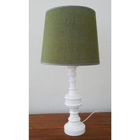 Yeşil Keten Şapka Beyaz Torna Ayaklı Abajur K156