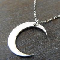 Affix Silver Gümüş Özel Tasarım Yeni Hilal Kolyesi