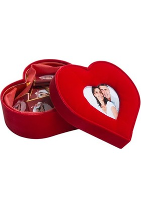 BuldumBuldum Kalp Kutuda Fotoğraflı Çikolatalar