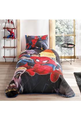 Spiderman In City Yatak Örtüsü