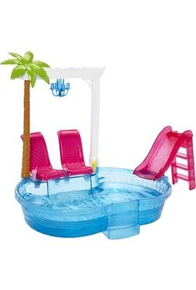 Mattel Barbie Şık Havuz