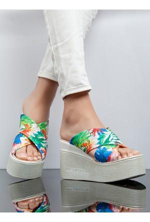 Dolgu Topuk Terlik - Beyaz - Ayakkabı Havuzu