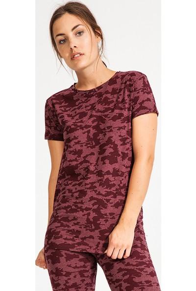 New Balance WTT3743 Kadın T-Shirt
