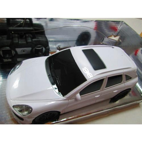 Uzaktan Kumandalı Araba Beyaz