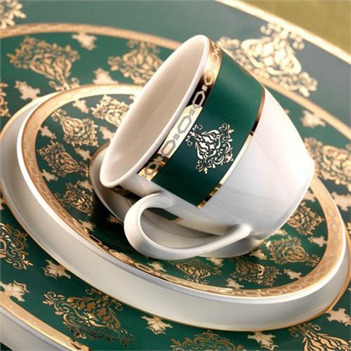 Kütahya Porselen İris 12 Kişilik 97 Parça 7808 Desen Yemek Takımı