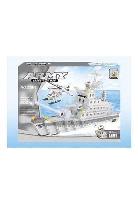 Ausını 600 Parça Savaş Gemisi