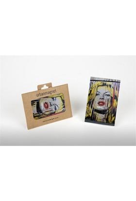 Mr. Braınwash Kate Moss Magnet 6*9 Cm