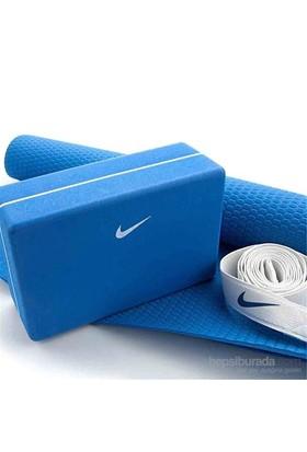 Nike Essential Yoga Seti