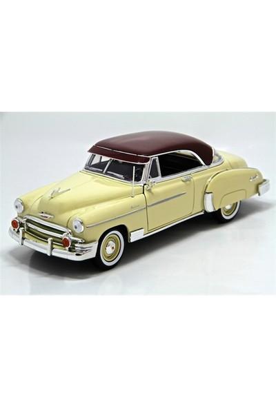 Vardem 1950 Chevy Bel Air 1:24 Model Araba Krem