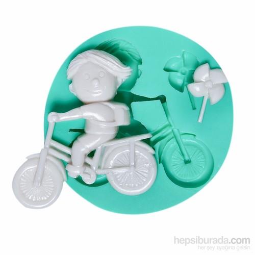 Kurdelya Bisikletli Erkek Çocuk Silikon Kalıp