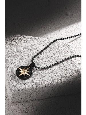 Frnch Pusula Figürlü Zirkon Taşlı Mat Siyah-Gold Renk Erkek Kolye FRJ30415-515-B2G