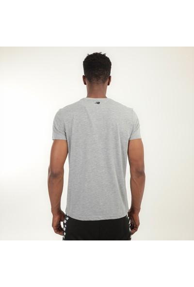 New Balance Logo Tee Gri Erkek Kısa Kol T-Shirt