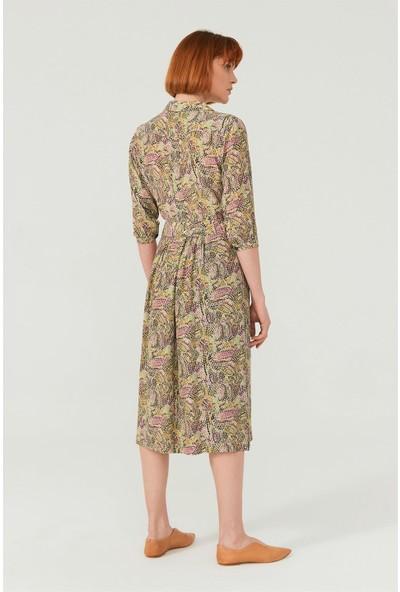 Birelin Kruvaze Desenli Elbise