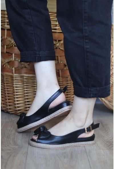 Mugo Serhatlar Kadın Fiyonk Detaylı Sandalet
