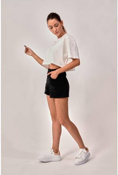 By Tümer Bytümer Çiçek Baskılı Beyaz Crop Kadın Tişört