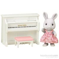Sylvanian Families Rabbit Sister W Piano