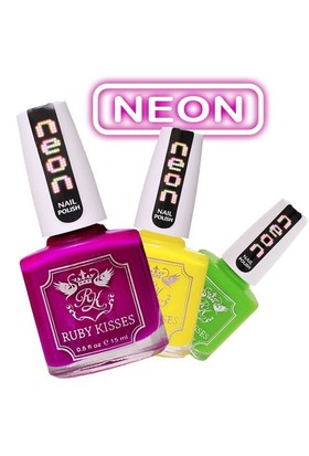 Ruby Kisses Nail Polish 15Ml - Pembe Neon Oje