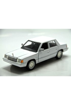 Motormax 1:241982 Dodge Aires K -Beyaz Model Araba