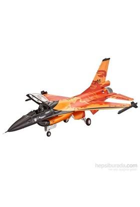 Revell Lockheed Martin F-16 Mlu Solo Display Uçak Maketi 1:72