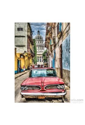 Educa Vıntage Car In Old Havana