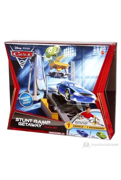 Cars 2 Başlangıç Yarış Seti / Stunt Ramp Getaway
