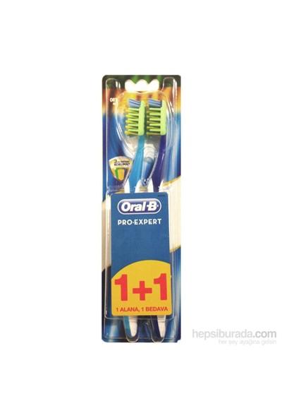 Oral-B Diş Fırçası Pro-Expert Komple 7 Antibakteriyel 40 Orta İkili Paket (1 Alana 1 Bedava)