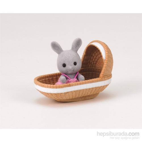Sylvanian Families Rabbit Baby W Crib